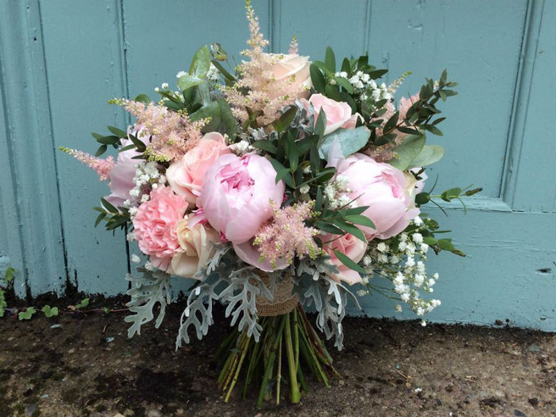 Ashover Parish Hall Blog: how to make sure your wedding flowers are fabulous